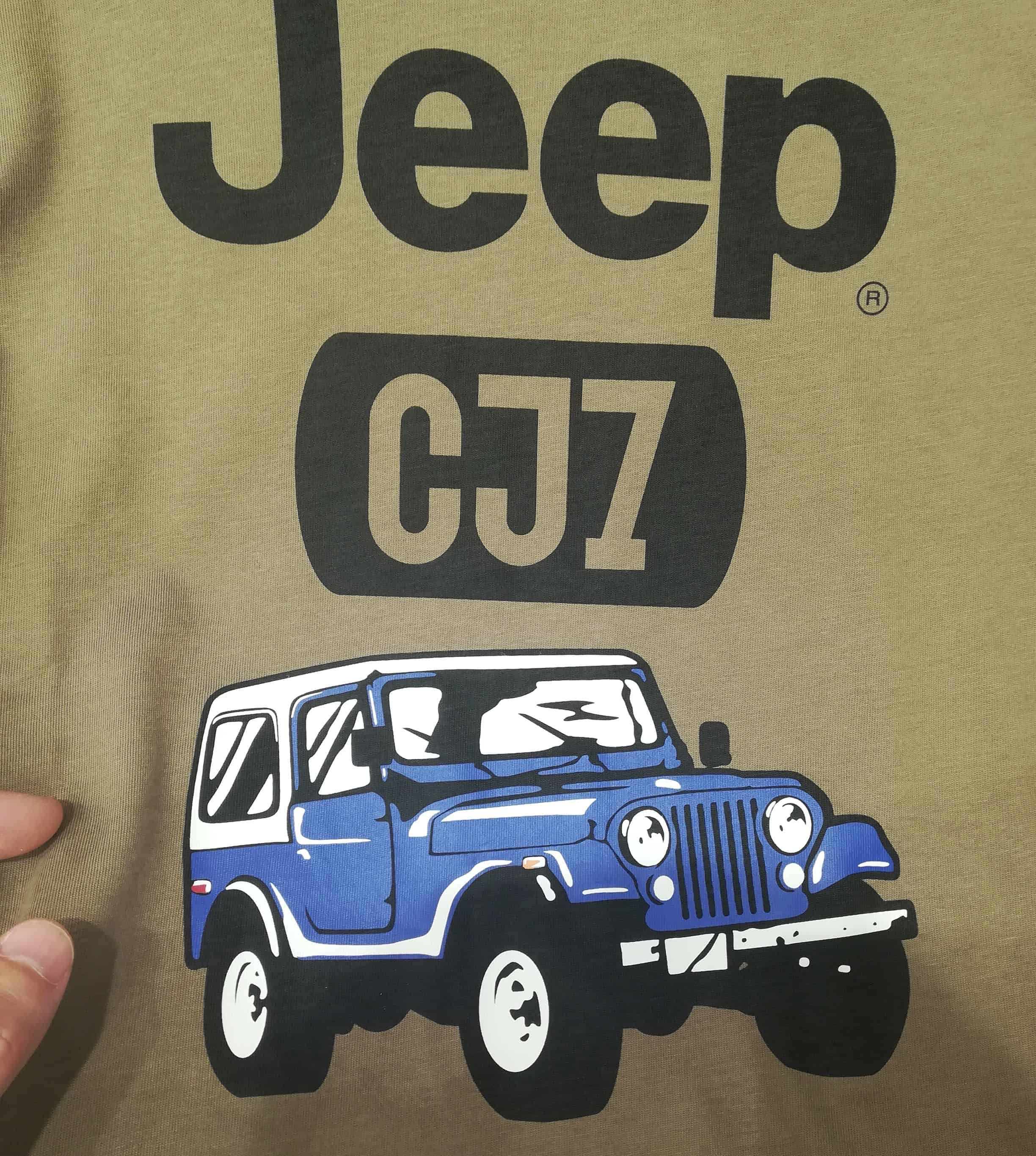 A cool Jeep T-shirt I got from UNIQLO in Japan.
