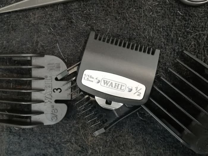 Wahl's Cordless Senior comes with premium steel stainless guides (3 sizes), unlike usual plastic combs.